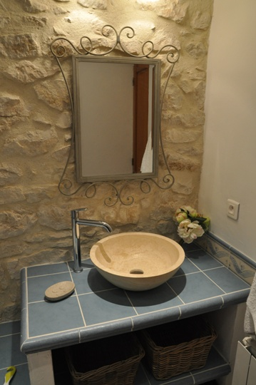 Moulin de la Roque, Noves, Provence, villa Tuilerie, bathroom