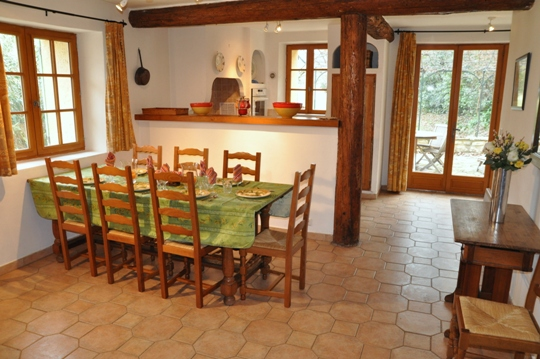 Moulin de la Roque, Noves, Provence, villa Bergerie, Dining area, seating for up to 12 persons at your oak dining table