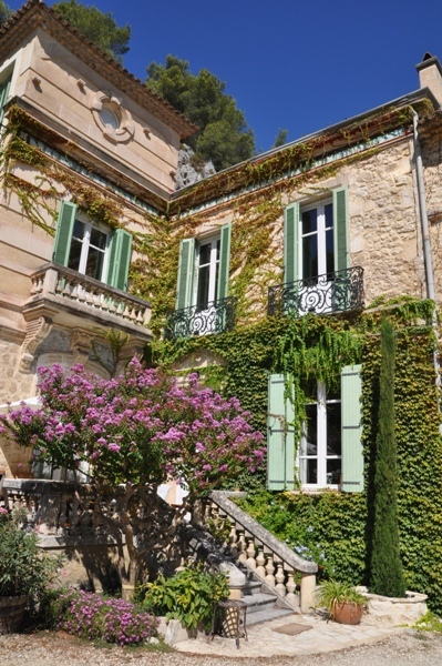 Moulin de la Roque, Noves, Provence - the Manor house